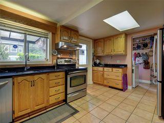 Photo 10: 341 Linden Ave in : Vi Fairfield West Half Duplex for sale (Victoria)  : MLS®# 855827