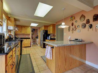 Photo 9: 341 Linden Ave in : Vi Fairfield West Half Duplex for sale (Victoria)  : MLS®# 855827