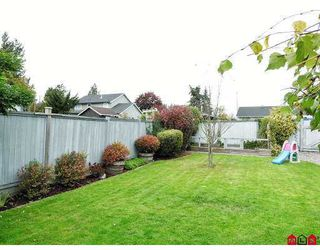 Photo 8: 17439 58A Ave in Surrey: Cloverdale BC House  (Cloverdale)  : MLS®# F2624324