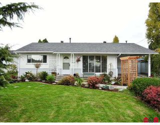 Photo 1: 17439 58A Ave in Surrey: Cloverdale BC House  (Cloverdale)  : MLS®# F2624324