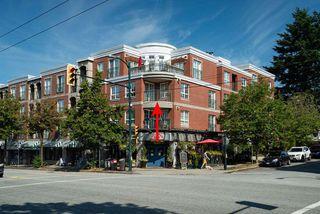 "Main Photo: 302 1989 DUNBAR Street in Vancouver: Kitsilano Condo for sale in ""SONESTA"" (Vancouver West)  : MLS®# R2390673"