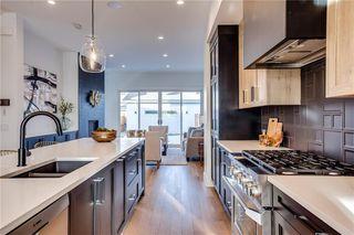 Photo 6: 2030 38 Avenue SW in Calgary: Altadore Semi Detached for sale : MLS®# C4280439