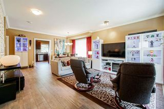 Photo 4: 6 2115 Spring Street in Port Moody: Port Moody Centre Townhouse for sale : MLS®# R2415131