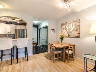 """Photo 4: 219 5900 DOVER Crescent in Richmond: Riverdale RI Condo for sale in """"The Hamptons"""" : MLS®# R2429773"""
