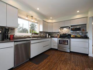 Photo 6: 679 Vanalman Ave in Saanich: SW Northridge House for sale (Saanich West)  : MLS®# 844157