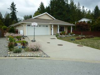 "Photo 1: 5744 EMILY Way in Sechelt: Sechelt District House for sale in ""CASCADE HEIGHTS"" (Sunshine Coast)  : MLS®# R2400913"