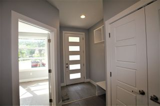 Photo 2: 11031 132 Street NW in Edmonton: Zone 07 House for sale : MLS®# E4207115