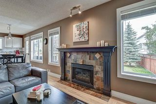 Photo 5: 431 DOUGLAS GLEN Boulevard SE in Calgary: Douglasdale/Glen Detached for sale : MLS®# A1031219