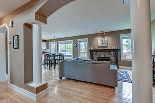 Photo 2: 431 DOUGLAS GLEN Boulevard SE in Calgary: Douglasdale/Glen Detached for sale : MLS®# A1031219