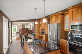 Photo 10: 5006 Hilarie Pl in : SE Cordova Bay House for sale (Saanich East)  : MLS®# 857728
