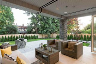 Photo 19: 257 E ST JAMES Road in North Vancouver: Upper Lonsdale House for sale : MLS®# R2399629