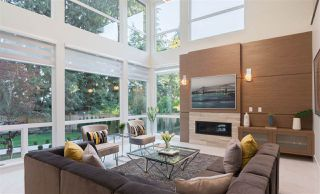 Photo 2: 257 E ST JAMES Road in North Vancouver: Upper Lonsdale House for sale : MLS®# R2399629