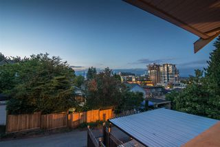 Photo 1: 129B DEBECK Street in New Westminster: Sapperton House 1/2 Duplex for sale : MLS®# R2418418