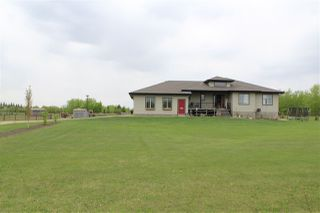 Photo 1: 126 MEADOW Crescent: Rural Sturgeon County House for sale : MLS®# E4183940