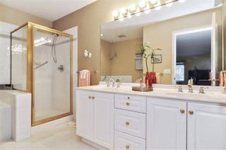 "Photo 10: 15 16888 80 Avenue in Surrey: Fleetwood Tynehead Townhouse for sale in ""Stonecroft"" : MLS®# R2425543"