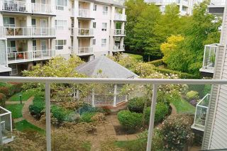 "Photo 2: 318 1588 BEST Street: White Rock Condo for sale in ""Monterey"" (South Surrey White Rock)  : MLS®# R2435352"