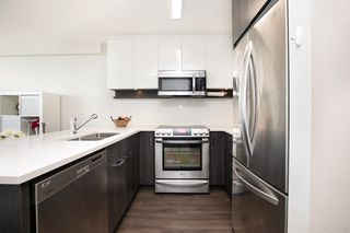 "Photo 8: 1501 958 RIDGEWAY Avenue in Coquitlam: Central Coquitlam Condo for sale in ""THE AUSTIN"" : MLS®# R2436149"