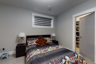 Photo 39: 1074 WANYANDI Way in Edmonton: Zone 22 House for sale : MLS®# E4197556