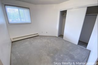 Photo 2: 10520 120 Street in Edmonton: Condo for rent