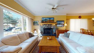 Photo 4: 2635 Mt. Stephen Ave in : Vi Oaklands House for sale (Victoria)  : MLS®# 854898