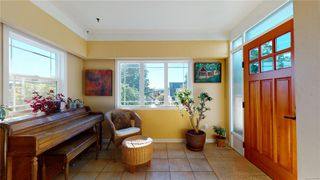 Photo 3: 2635 Mt. Stephen Ave in : Vi Oaklands House for sale (Victoria)  : MLS®# 854898