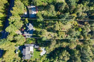 Photo 3: 7891 REDROOFFS Road in Halfmoon Bay: Halfmn Bay Secret Cv Redroofs House for sale (Sunshine Coast)  : MLS®# R2507576