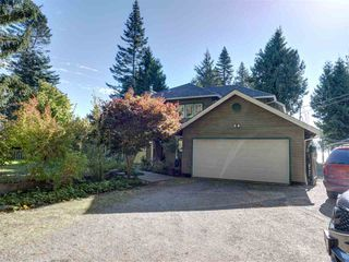 Photo 3: 7891 REDROOFFS Road in Halfmoon Bay: Halfmn Bay Secret Cv Redroofs House for sale (Sunshine Coast)  : MLS®# R2507576