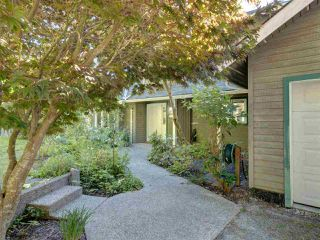 Photo 7: 7891 REDROOFFS Road in Halfmoon Bay: Halfmn Bay Secret Cv Redroofs House for sale (Sunshine Coast)  : MLS®# R2507576