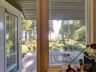 Photo 1: 7891 REDROOFFS Road in Halfmoon Bay: Halfmn Bay Secret Cv Redroofs House for sale (Sunshine Coast)  : MLS®# R2507576