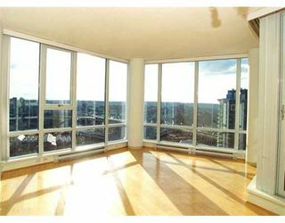"""Photo 1: 2803 1438 RICHARDS ST in Vancouver: False Creek North Condo for sale in """"AZURA"""" (Vancouver West)  : MLS®# V578369"""