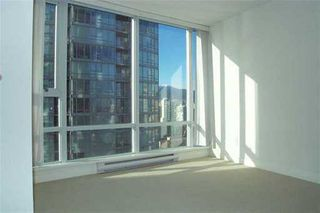 """Photo 3: 2803 1438 RICHARDS ST in Vancouver: False Creek North Condo for sale in """"AZURA"""" (Vancouver West)  : MLS®# V578369"""