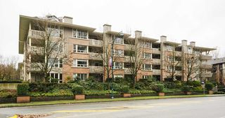 "Photo 18: 407 801 KLAHANIE Drive in Port Moody: Port Moody Centre Condo for sale in ""Inglenook"" : MLS®# R2419189"