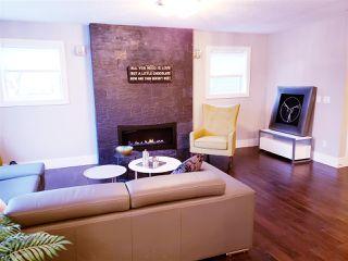 Photo 4: 9842 85 Avenue in Edmonton: Zone 15 House for sale : MLS®# E4181921