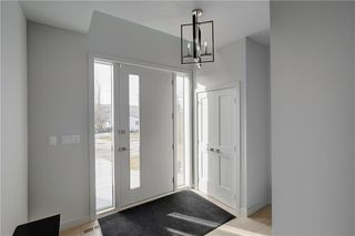 Photo 3: 4636 22 Avenue NW in Calgary: Montgomery Detached for sale : MLS®# C4300441