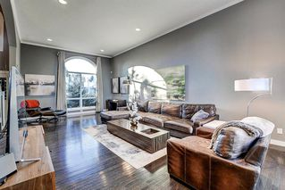 Photo 7: 1396 Shawnee Road SW in Calgary: Shawnee Slopes Detached for sale : MLS®# A1050612