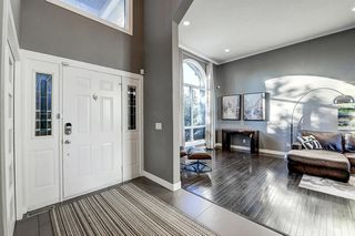 Photo 3: 1396 Shawnee Road SW in Calgary: Shawnee Slopes Detached for sale : MLS®# A1050612