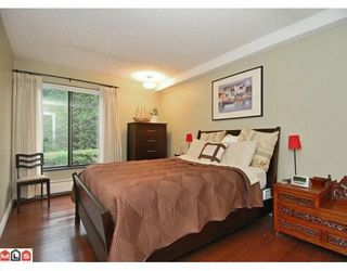 Photo 5: 213 1437 Foster Street in White Rock: Home for sale : MLS®# F1001998