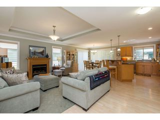 """Photo 5: 18 46000 THOMAS Road in Sardis: Sardis East Vedder Rd House for sale in """"Halcyon Meadows"""" : MLS®# R2398563"""