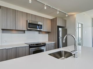 "Photo 10: 3302 13308 CENTRAL Avenue in Surrey: Whalley Condo for sale in ""EVOLVE"" (North Surrey)  : MLS®# R2400539"