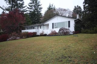 Photo 2: 6480 CABELDU Crescent in Delta: Sunshine Hills Woods House for sale (N. Delta)  : MLS®# R2422895