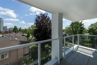 Photo 10: 523 2220 KINGSWAY in Vancouver: Victoria VE Condo for sale (Vancouver East)  : MLS®# R2457777