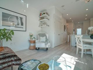 """Photo 4: 101 321 E 16TH Avenue in Vancouver: Mount Pleasant VE Townhouse for sale in """"ARNE"""" (Vancouver East)  : MLS®# R2467350"""
