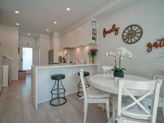 """Photo 8: 101 321 E 16TH Avenue in Vancouver: Mount Pleasant VE Townhouse for sale in """"ARNE"""" (Vancouver East)  : MLS®# R2467350"""