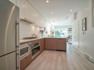 """Photo 11: 101 321 E 16TH Avenue in Vancouver: Mount Pleasant VE Townhouse for sale in """"ARNE"""" (Vancouver East)  : MLS®# R2467350"""