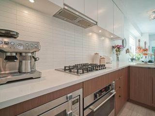 """Photo 9: 101 321 E 16TH Avenue in Vancouver: Mount Pleasant VE Townhouse for sale in """"ARNE"""" (Vancouver East)  : MLS®# R2467350"""
