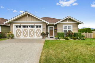 """Photo 1: 91 7600 CHILLIWACK RIVER Road in Chilliwack: Sardis East Vedder Rd House for sale in """"Clover Creek"""" (Sardis)  : MLS®# R2489435"""