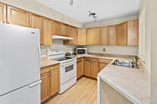 Photo 10: 106 3010 Washington Ave in : Vi Burnside Condo for sale (Victoria)  : MLS®# 858065