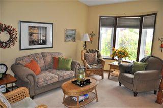 Photo 4: 10439 10 Avenue in Edmonton: Zone 16 House for sale : MLS®# E4218720