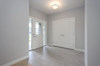 Photo 3: 1391 Graydon Hill Way in Edmonton: Zone 55 House for sale : MLS®# E4170573