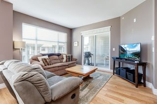 """Photo 8: 418 2343 ATKINS Avenue in Port Coquitlam: Central Pt Coquitlam Condo for sale in """"The Pearl"""" : MLS®# R2405860"""